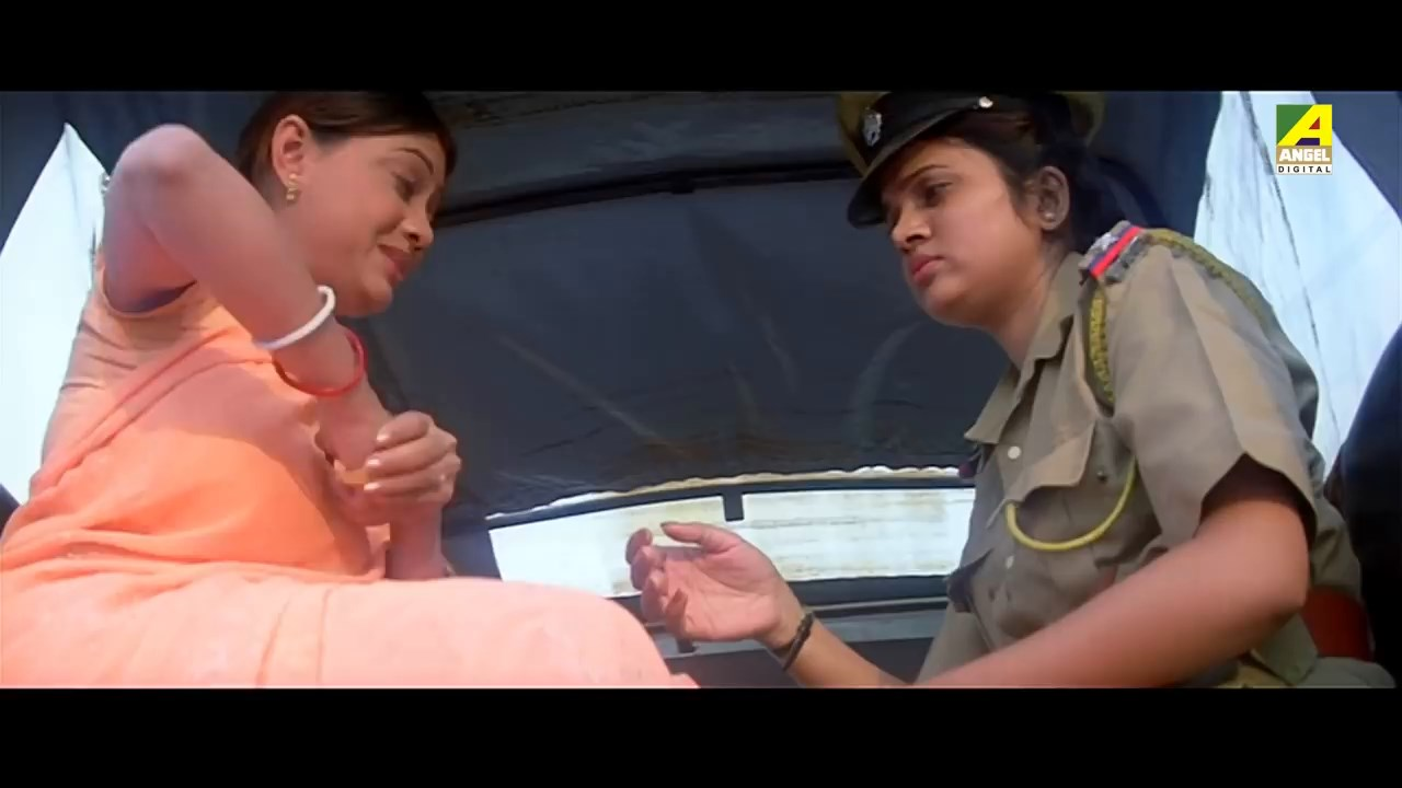 ChakraBengaliActionMovie.mp4_snapshot_01.36.39.04097af2.jpg
