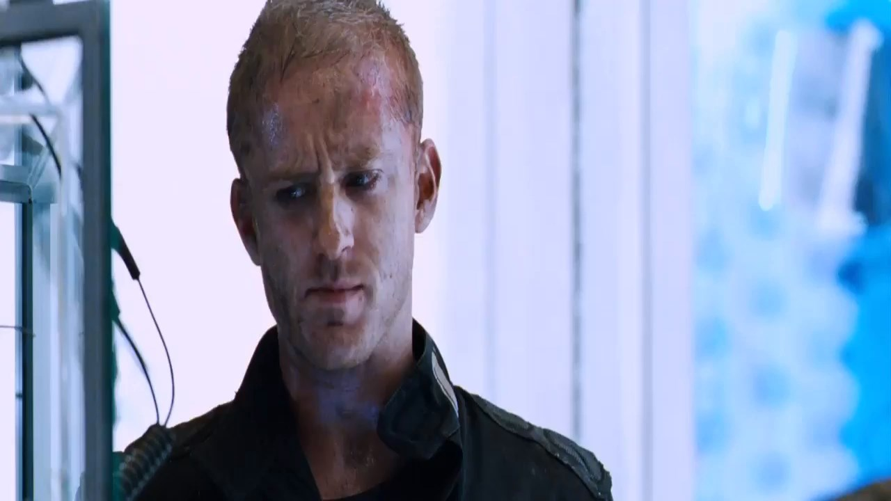 Pandorum2009Hindi720pBluRayESubs.mp4_snapshot_00.48.01.00043429.jpg