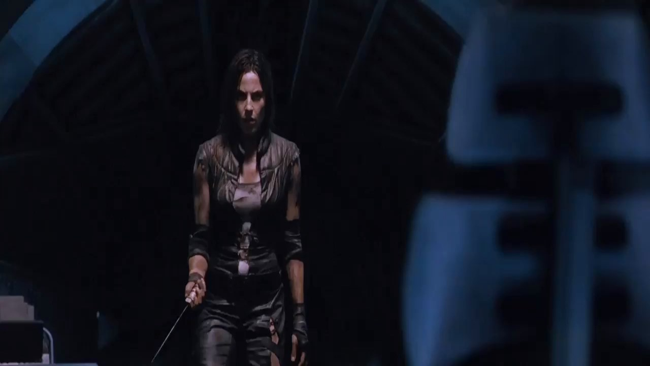 Pandorum2009Hindi720pBluRayESubs.mp4_snapshot_01.31.46.500b7509.jpg