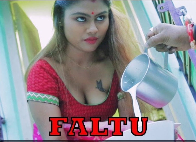 Faltu (2019) Hindi S01E03 Hot Web Series UNRATED HDRip 200MB